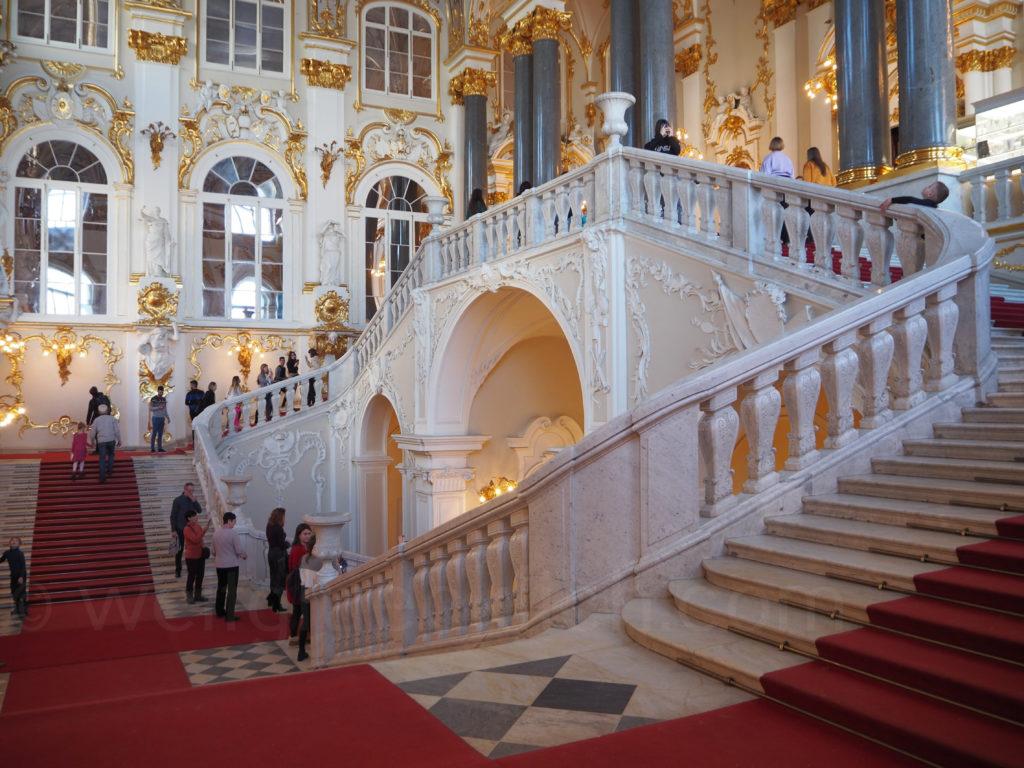 Eingang Eremitage Winterpalast St Petersburg