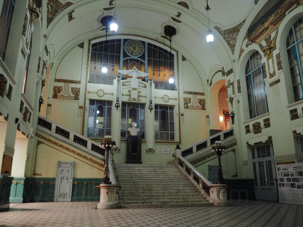 St Petersburg Vitebsky Bahnhof Eingang Treppe