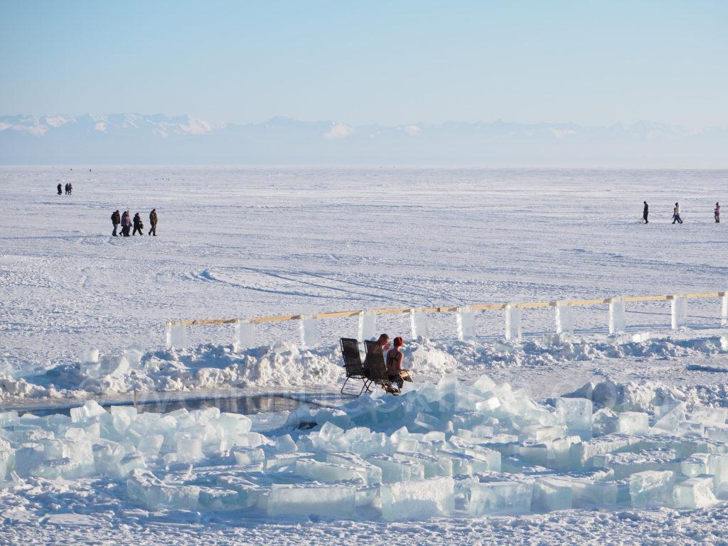 Listwjanka Baikalsee Winter Eis Sauna draussen