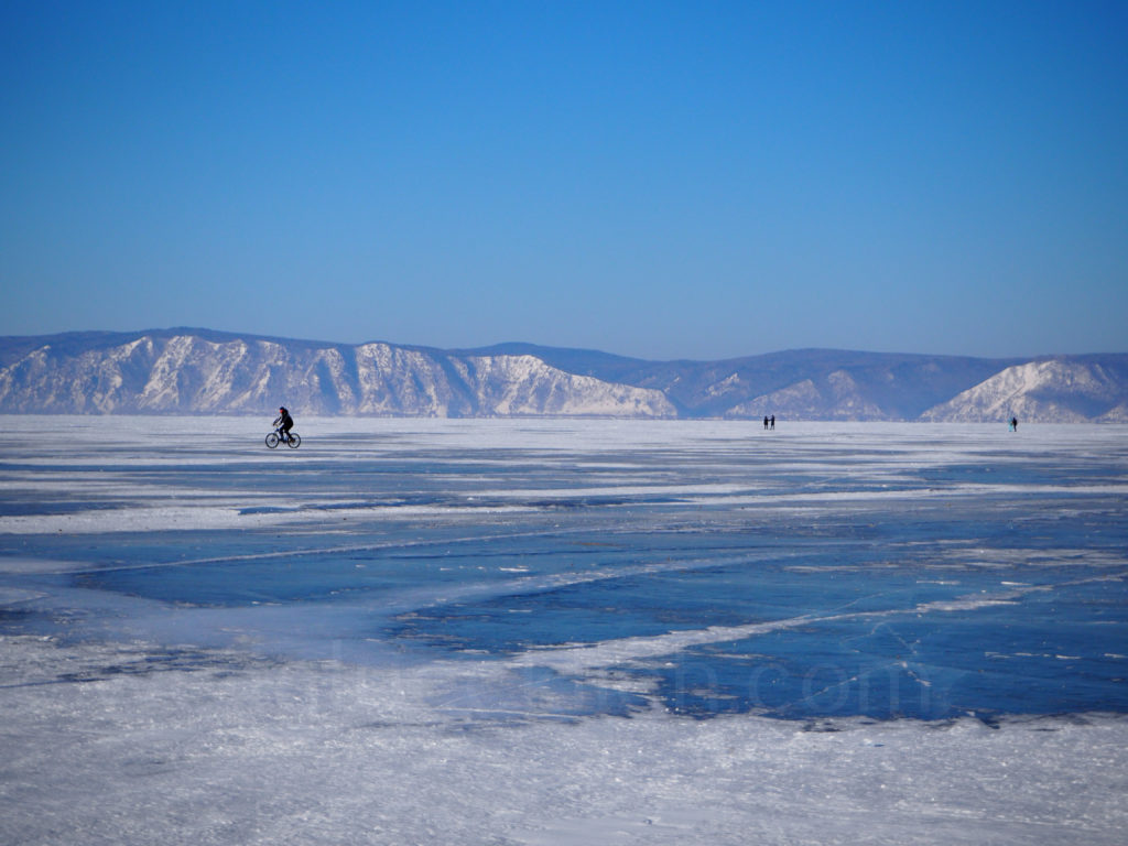 Listwjanka Baikalsee Winter Fahrrad zugefroren