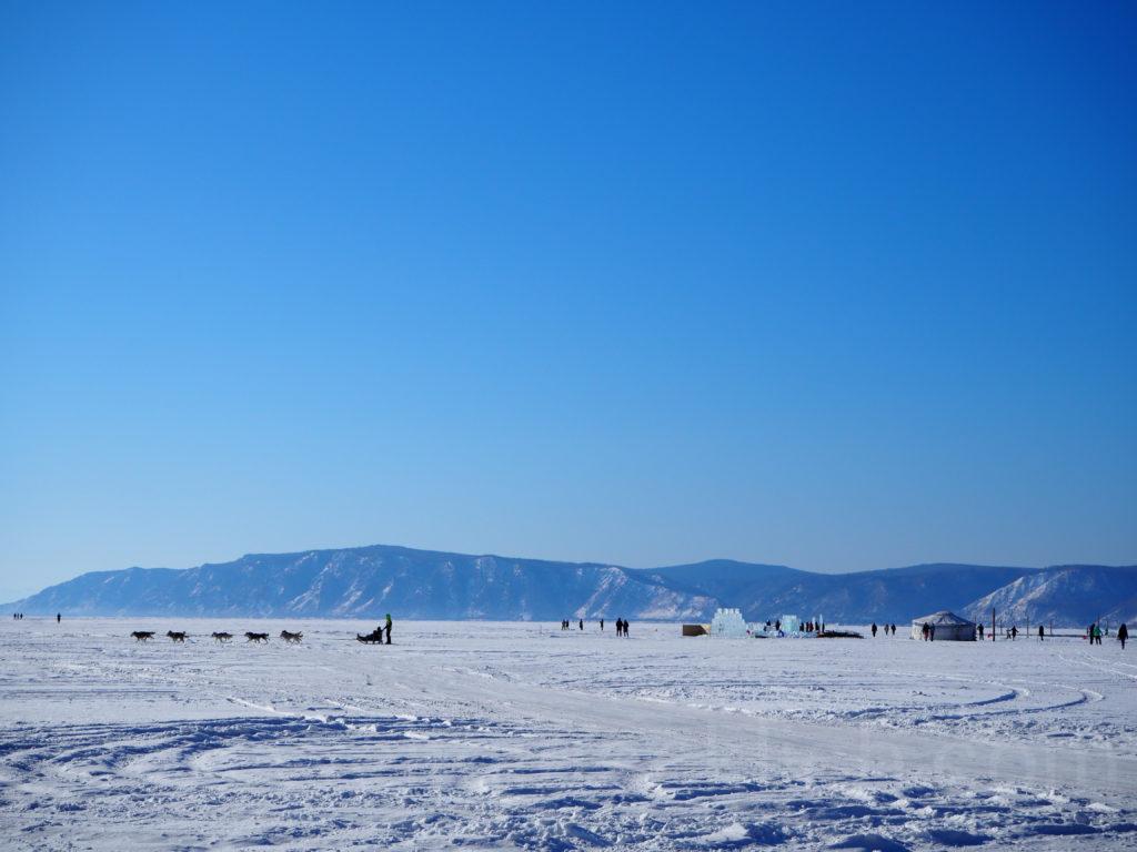 Listwjanka Baikalsee Winter Eis Hundeschlitten Jurte