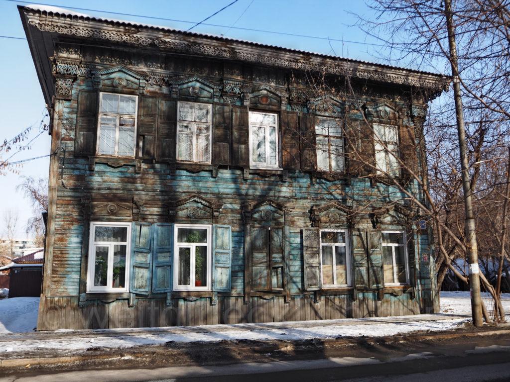 Irkutsk Sibirien Holzhaus Fenster verziert Schnitzereien alt