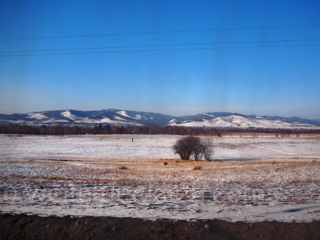 Transsib Transsibirische Eisenbahn Winter Schnee Berge Steppe