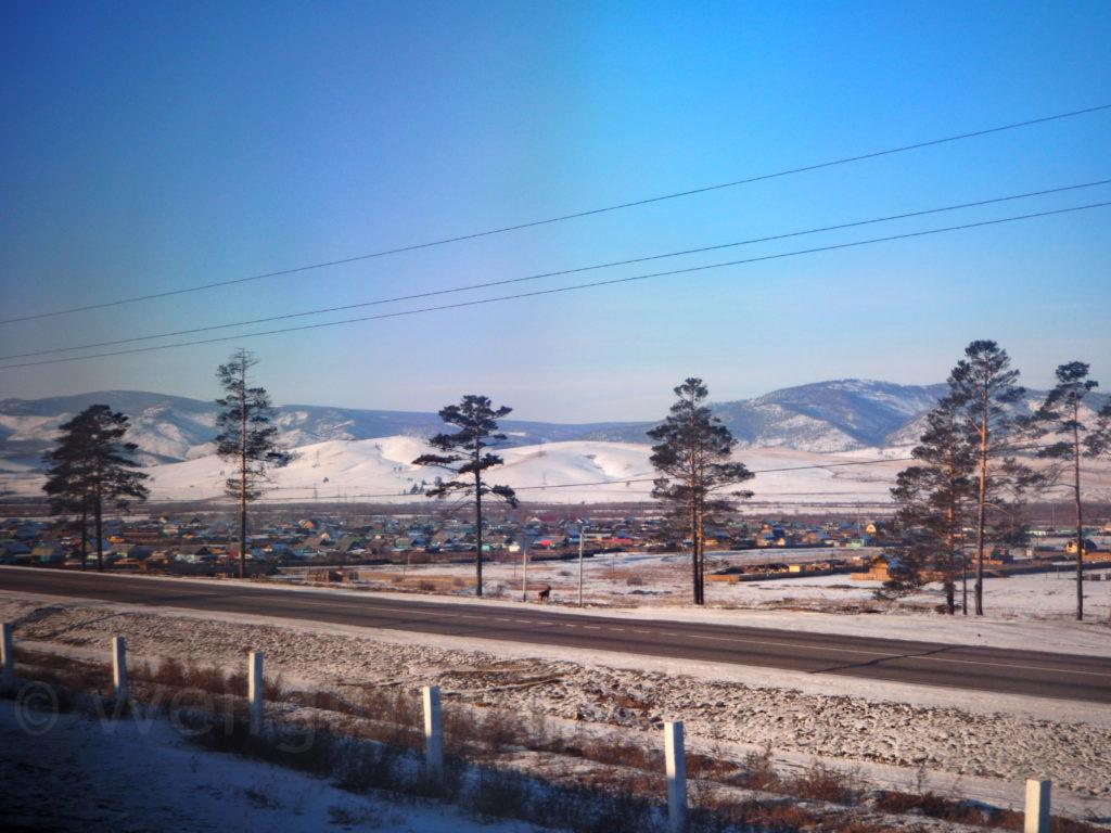Transsib Transsibirische Eisenbahn Winter Schnee Dorf Ulan Ude