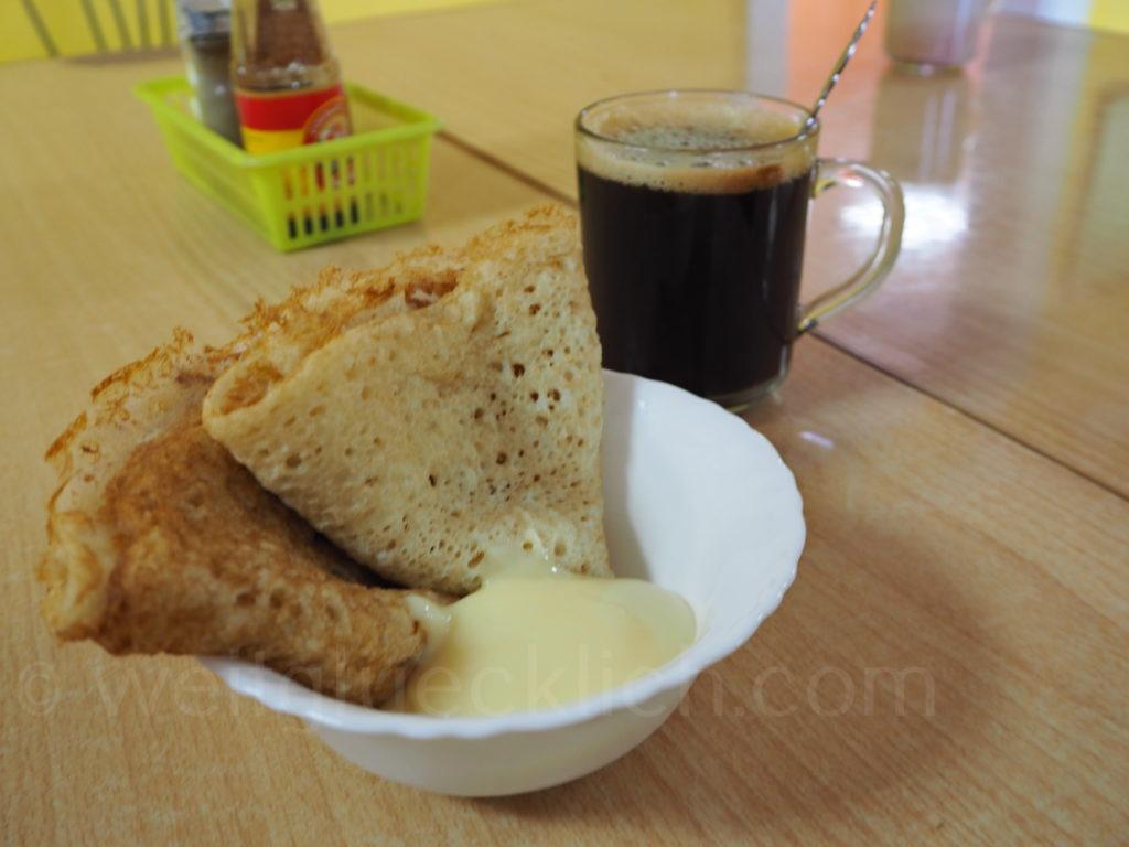 Blini Pfannkuchen Kondensmilch Romanowka