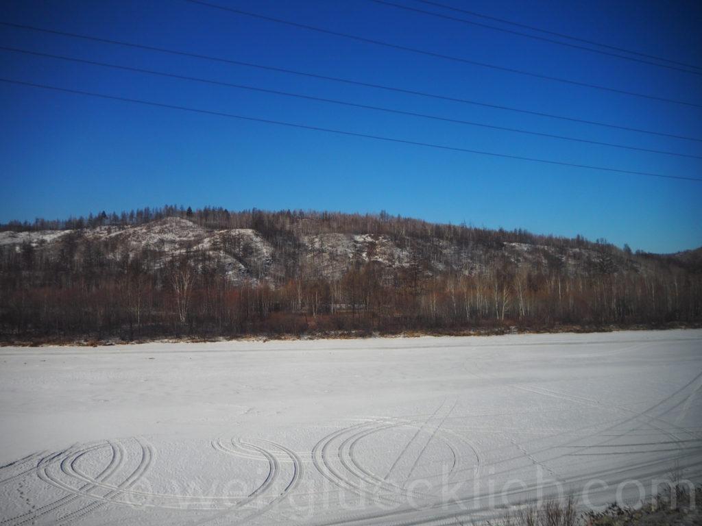 Transsib Transsibirische Eisenbahn Sibirien Winter Fluss zugefroren