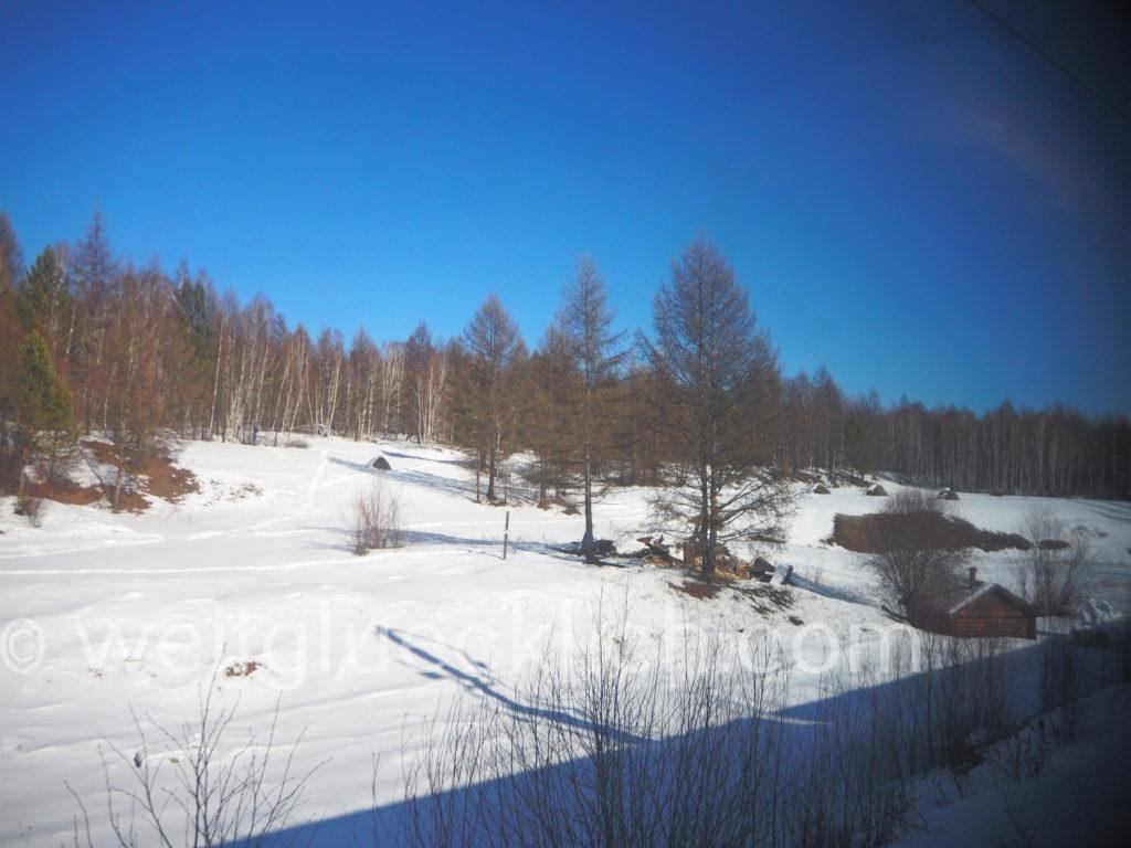 Weltreise 2020 Transsib Transsibirische Eisenbahn Sibirien Winter Landschaft Dorf Schnee