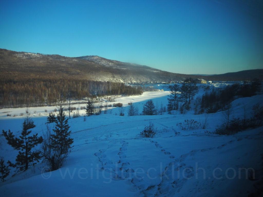 Weltreise 2020 Transsib Transsibirische Eisenbahn Sibirien Winter Blick auf Amasar