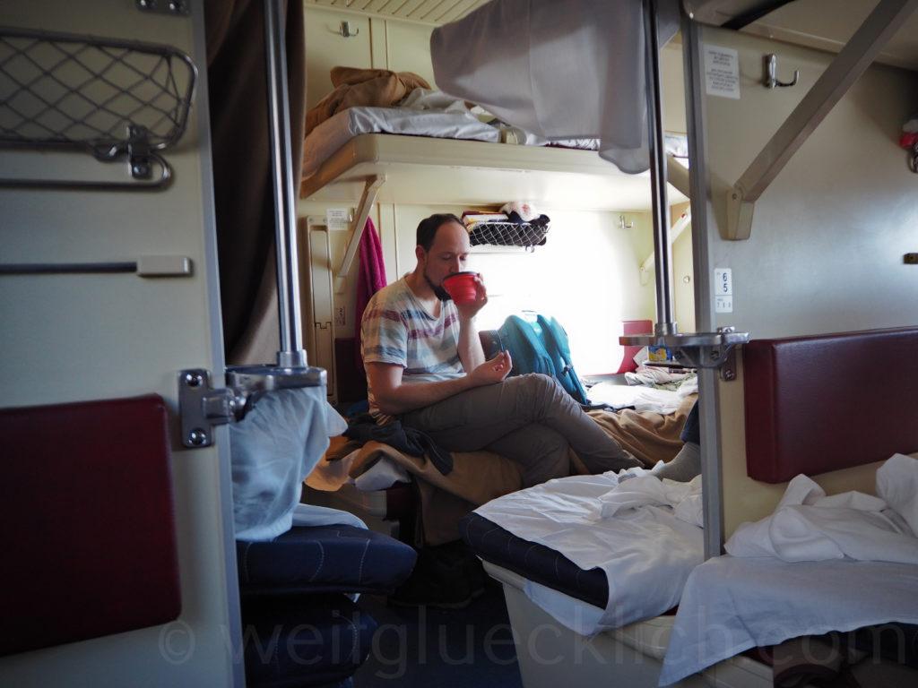 Transsib Transsibirische Eisenbahn Sibirien Abteil innen Grossraumliegewagen