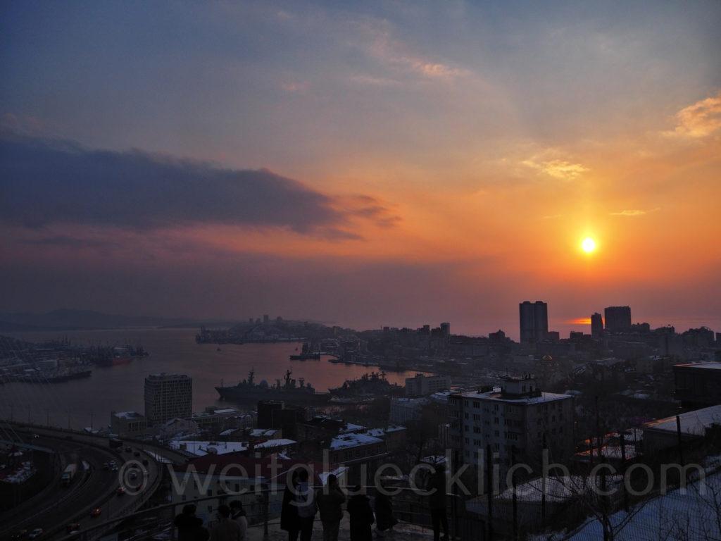 Russland Wladiwostok Goldenes Horn Sonnenuntergang