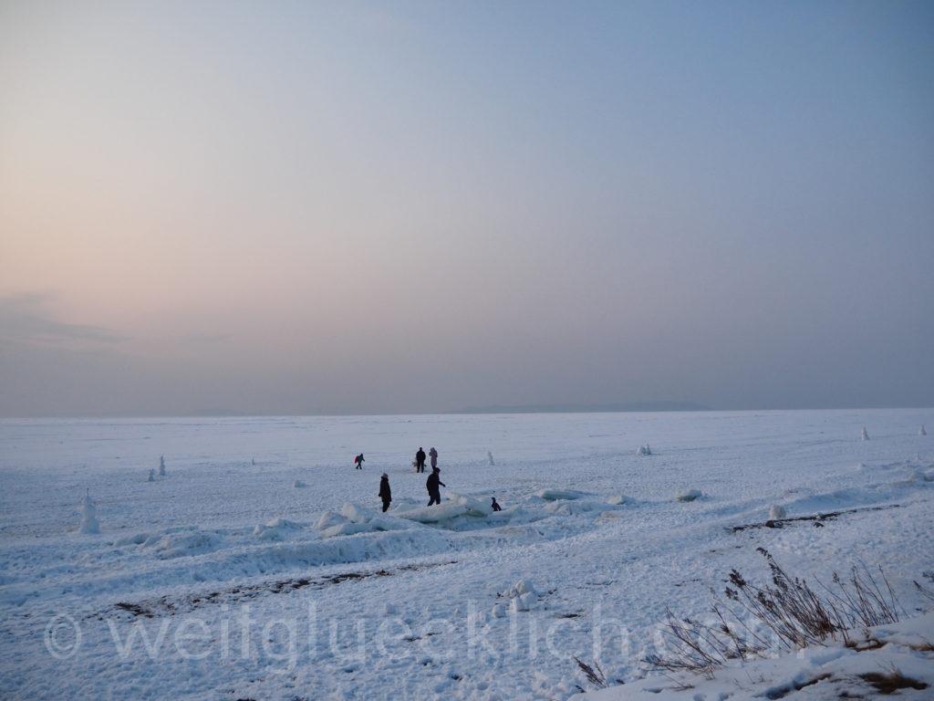 Russland Wladiwostok Tokarevskaya Leuchtturm Winter Schneemannwettbewerb