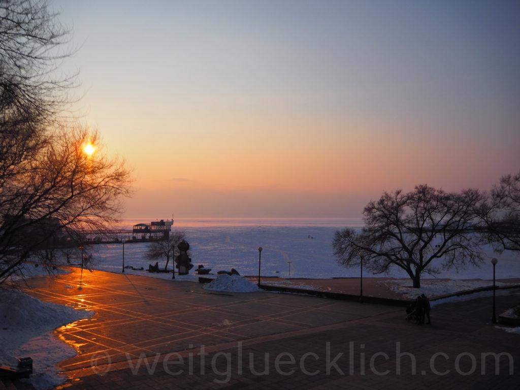 Russland Wladiwostok Uferpromenade Park Sonnenuntergang