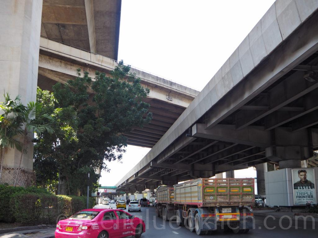 Thailand Bangkok Bang Kapi Chalong Rat Sirat Expressway Ramkhamhaeng Road