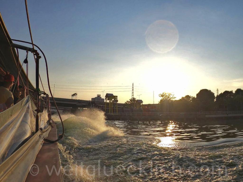 Thailand Bangkok Bang Kapi Kanal Khlong Boot boat sunset Sonnenuntergang