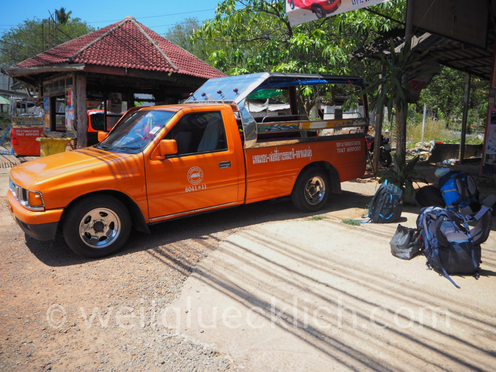 Thailand trat Songthaew pick up to Koh Chang ferry