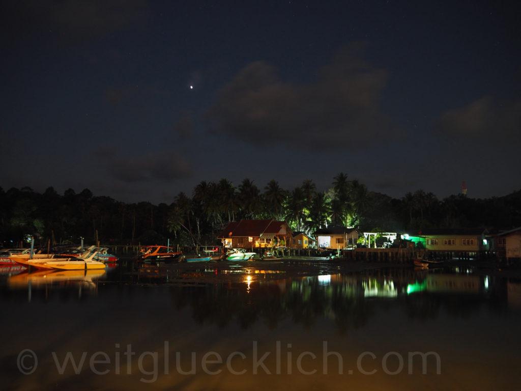 Thailand Koh Chang Bang Bao Bucht im Dunklen