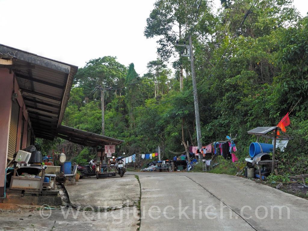 Weltreise Thailand Koh Chang Bang Bao Cliff Cottage village Dorf