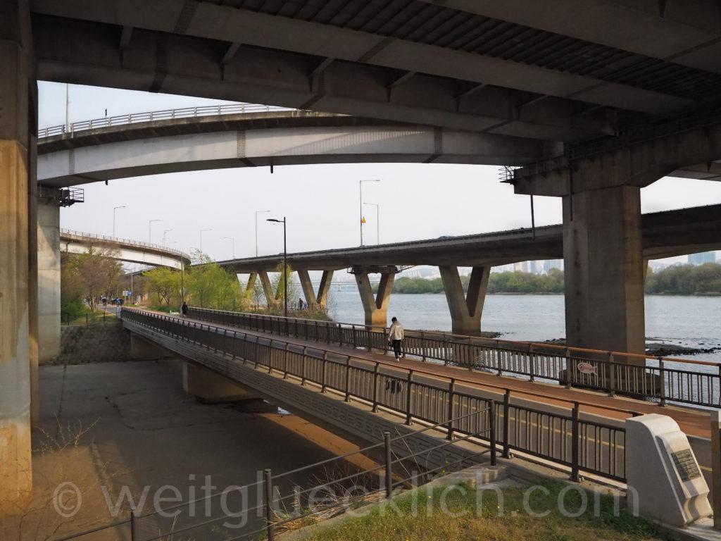 Weltreise 2020 Suedkorea Seoul Hongdae Hapjeong Highways Hangang Han Fluss