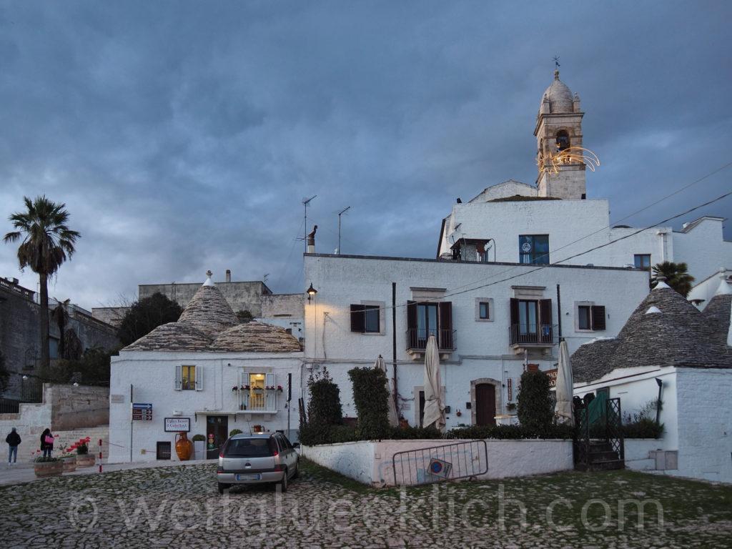 Weltreise 2020 Italien Apulien Valle d'Itria Alberobello Trulli Zentrum Parkplatz