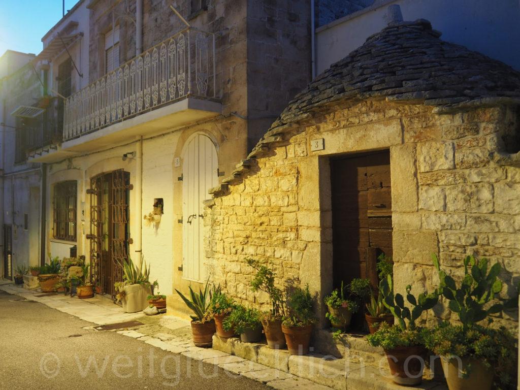 Weltreise 2020 Italien Apulien Valle d'Itria Alberobello altes Trullo Aia Piccola
