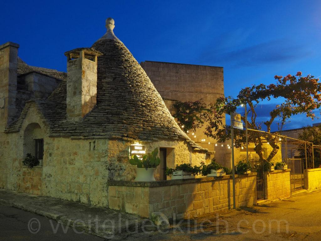 Weltreise 2020 Italien Apulien Valle d'Itria Alberobello altes Trullo Restaurant Aia Piccola