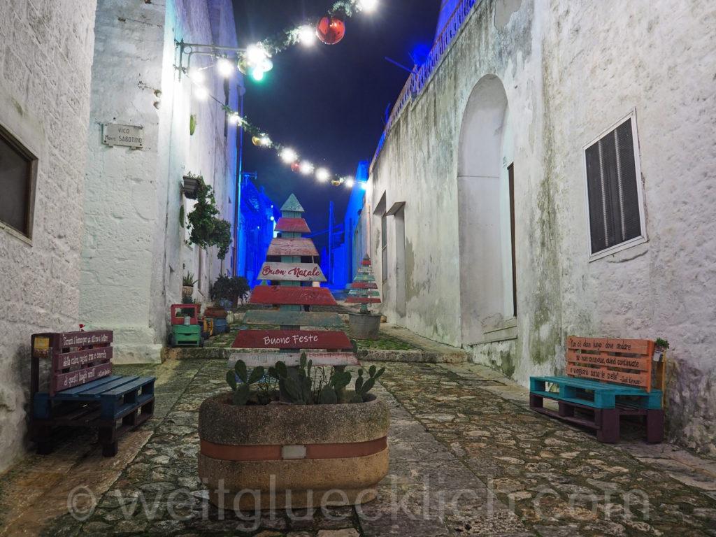 Weltreise 2020 Italien Apulien Valle d'Itria Alberobello Monti Weihnachten Schmuck