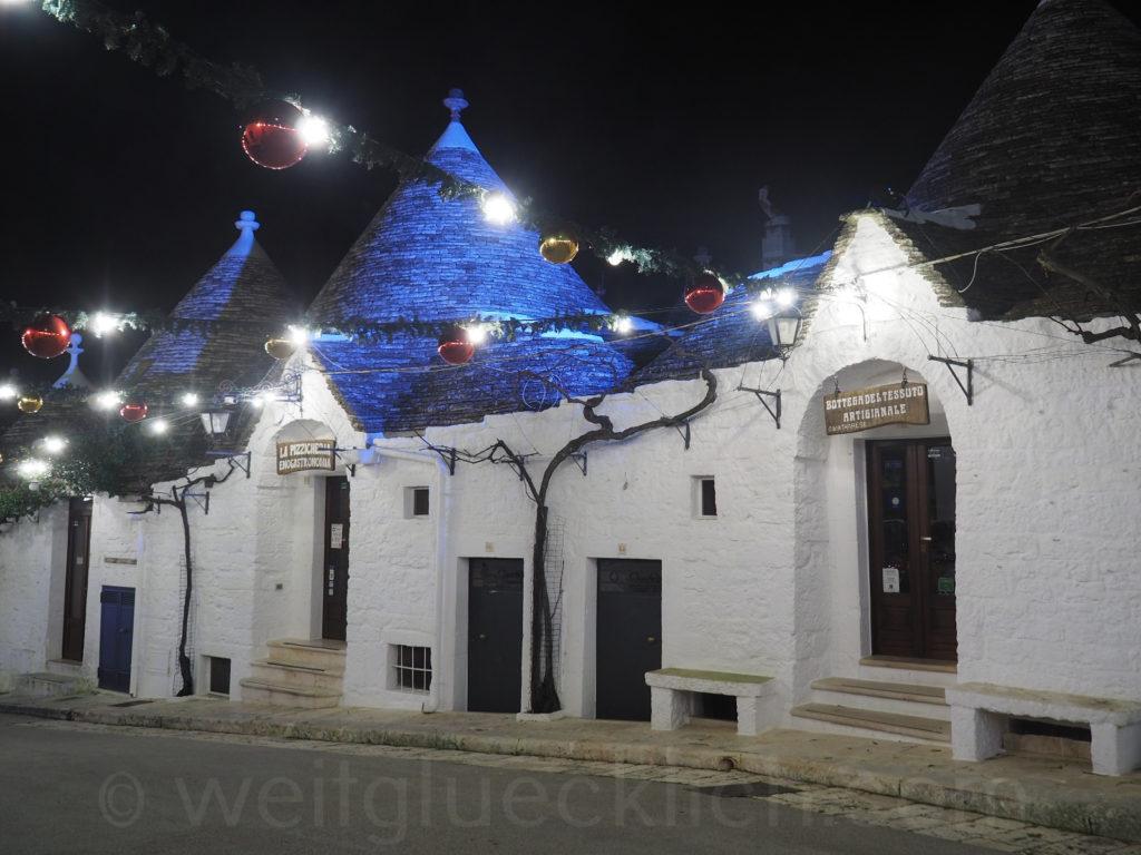 Weltreise 2020 Italien Apulien Valle d'Itria Alberobello Monti Weihnachten Trulli Schmuck