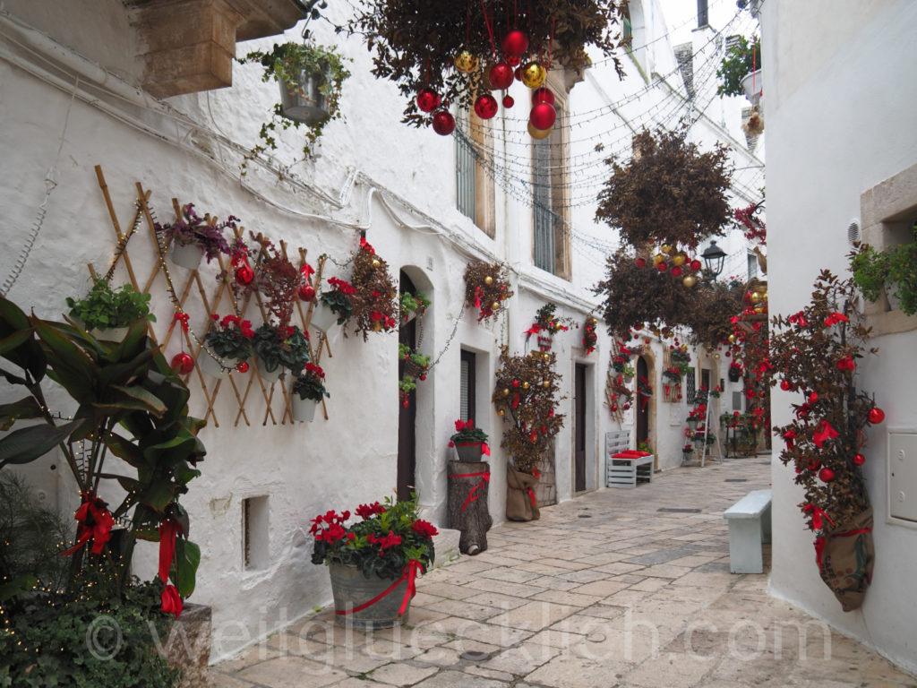 Weltreise 2020 Italien Apulien Valle d'ItriaTrulli Locorotondo Weihnachten Deko Schmuck