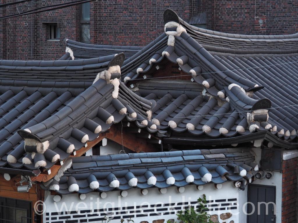 Weltreise 2020 Suedkorea Seoul Dongdaemun Ihwa-dong typical roof Hanok houses