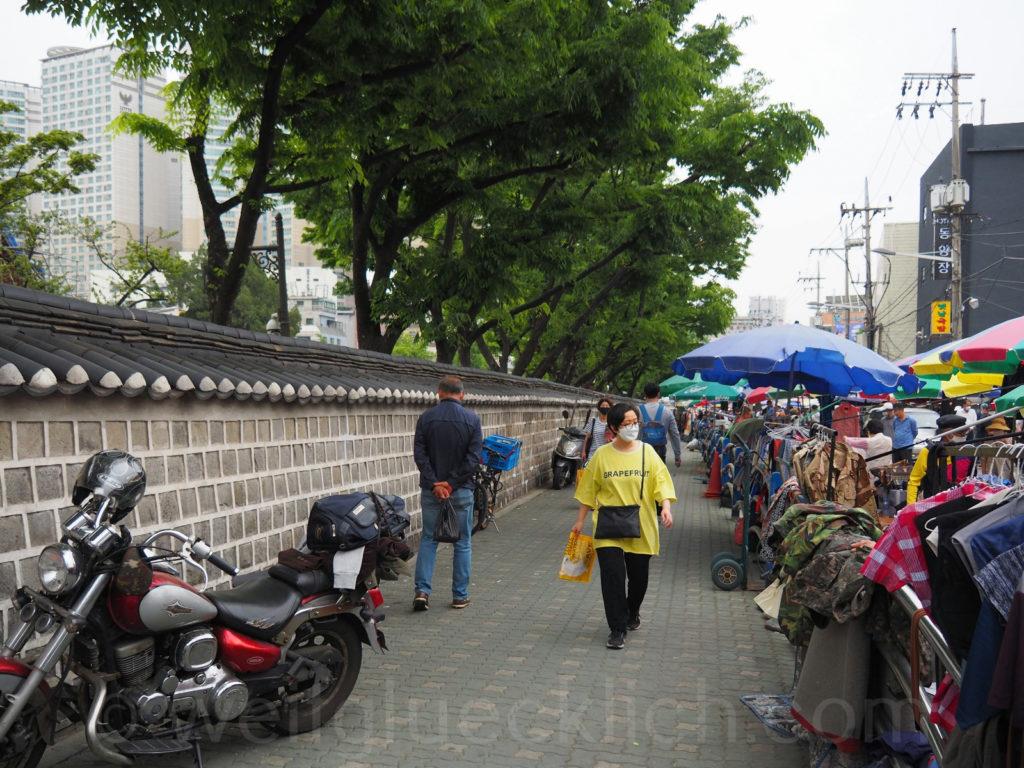 Weltreise 2020 Suedkorea Seoul Dongdaemun-gu flea market Dongmyo Shrine