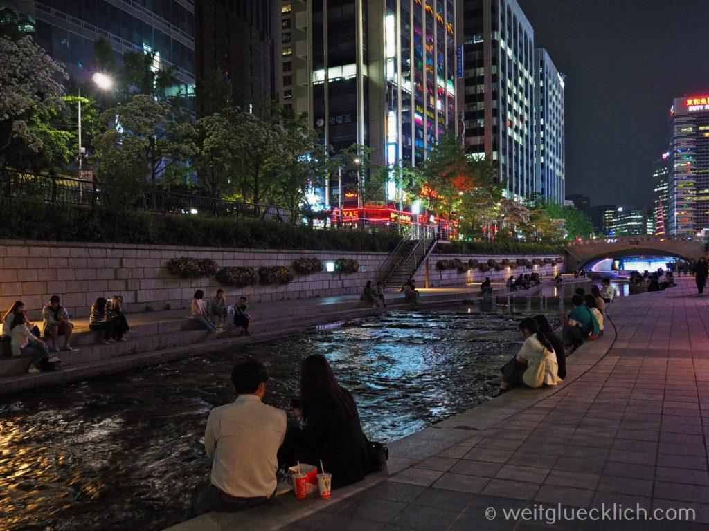 Weltreise 2020 Suedkorea Seoul Sightseeing Cheonggyecheon afterwork