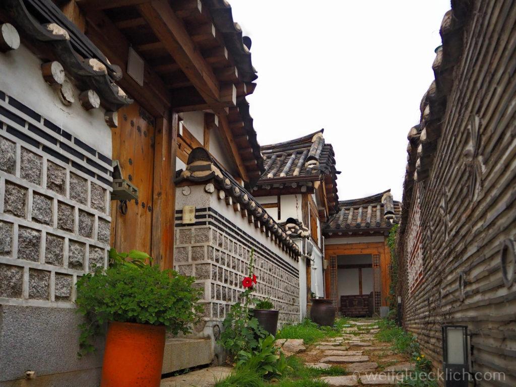 Weltreise 2020 Suedkorea Seoul Sightseeing Bukchon Hanok Village Wohnhaeuser