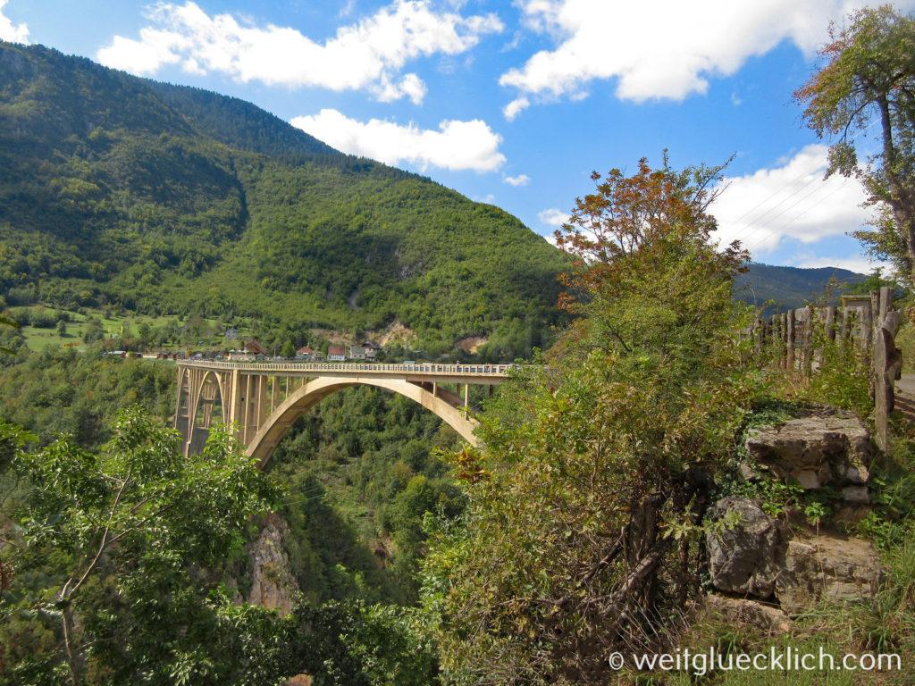 Montenegro Durmitor Nationalpark Tara Schlucht Durdevica Bruecke
