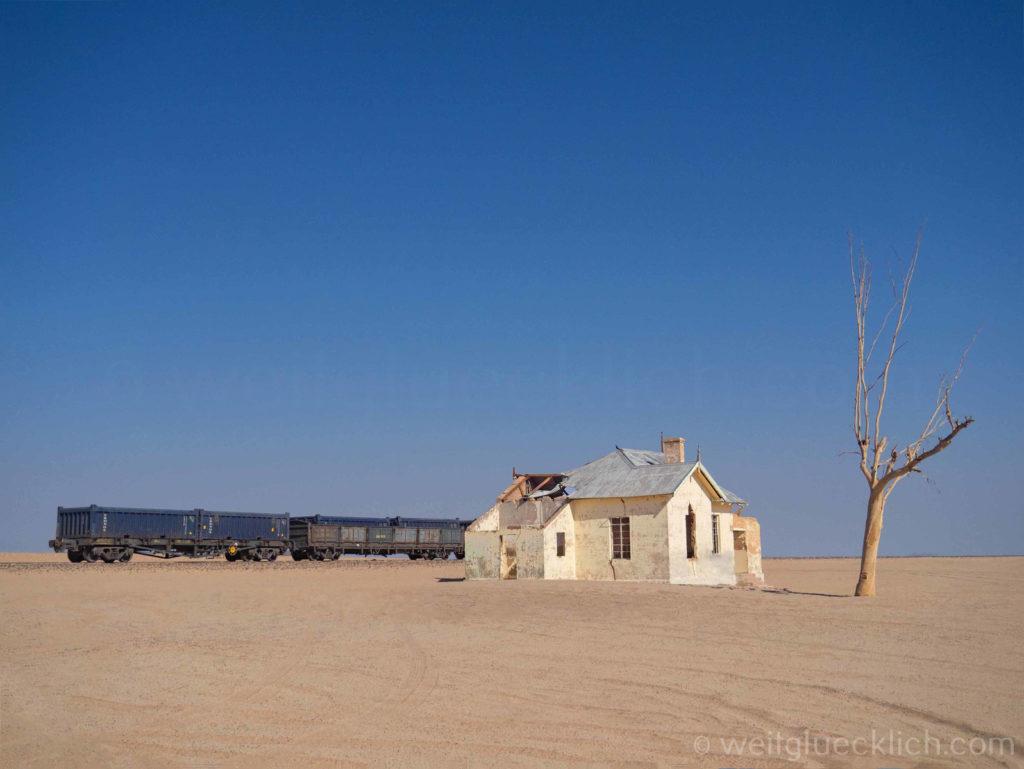 Weltreise 2021 Namibia verlassener Bahnhof Garub